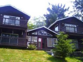 Havenhurst...Hot tub, privacy, park like grounds - Netarts vacation rentals