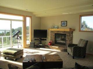 Beach View Terrace  sleeps 12+ with Ping Pong - Netarts vacation rentals