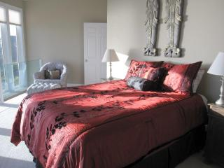 Anna's Seascape at Oceanside~Wonderful ocean views - Garibaldi vacation rentals