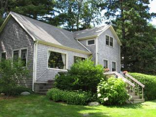 Ledges' Guest Cottage - shorefront &  just for you - Southwest Harbor vacation rentals