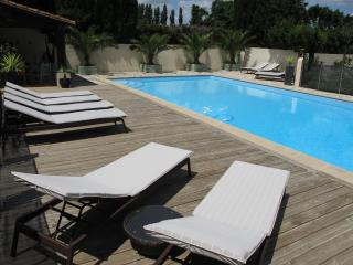 Olive House - Heated Pool - Child friendly gardens - Beach 10mins - Perpignan vacation rentals
