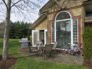 Courtenay - Quiet luxury condo at Crown Isle - Vancouver Island vacation rentals