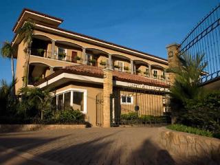 Leora del Pacifico Penthouse #301 - Tamarindo vacation rentals