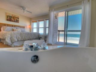 Oceanfront Luxurious Townhouse w 2 person Jacuzzi - Saint Augustine Beach vacation rentals