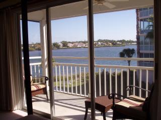 Bay Views - Beautifully Updated! on Siesta Key - Siesta Key vacation rentals