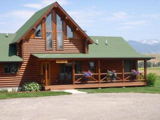 Eagle's Loft  - Perfect Mountain Retreat - Ennis vacation rentals