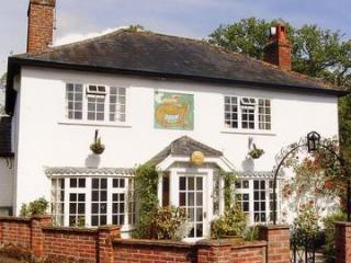Dragon Lodge - Tranquill, rural retreat in Surrey - Farnham vacation rentals