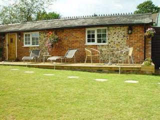Dragon Lodge - Tranquill, rural retreat in Surrey - Farnham vacation rentals