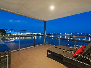 Neptuna - 3 Bedroom Darwin Waterfront Apartment - Top End vacation rentals