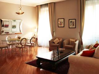 Luxury 2bdr close to the Coliseum - Rome vacation rentals