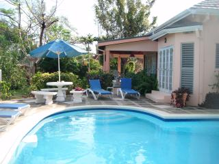 Fanta Sea Villa - Runaway Bay vacation rentals