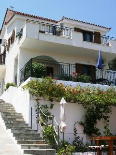 Cozy 3 bedroom Apartment in Skiathos - Skiathos vacation rentals
