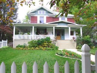 Elegant Downtown Home, 4 Min to Biltmore Estate - Asheville vacation rentals