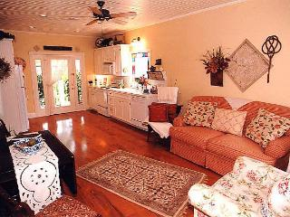 Cozy 2 bedroom House in Seabrook - Seabrook vacation rentals