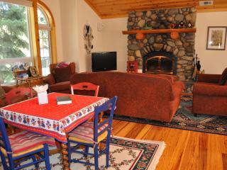 Charming Lake Tahoe Home 4 bdrms, near sandy beach - Tahoe Vista vacation rentals