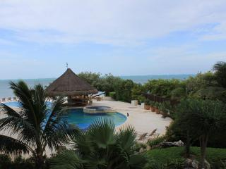 Amazing Casa Bendicion Condo on Beach w/ Huge Pool - Isla Mujeres vacation rentals