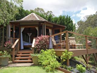 'Discover Aroma' at The Octagon Studio - Maui vacation rentals