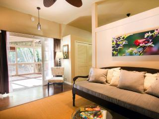 Romantic Cottage with Internet Access and Hot Tub - Makawao vacation rentals