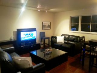 Kitsilano, 2 Bedroom 3rd floor suite - Vancouver vacation rentals