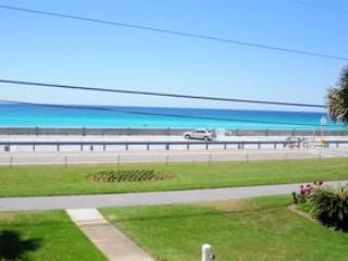 Blue Surf Unit #1 **VACATION FOR YOUR BUDGET** - Destin vacation rentals