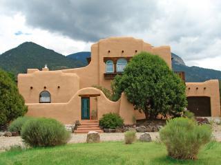Casa Anna - Taos Area vacation rentals