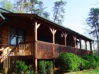 Home away from Home - Relax at Sadie's Retreat! - Lake Lure vacation rentals