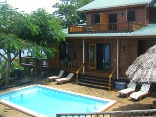 Seagrove Retreat. A Spectacular Island Paradise - Roatan vacation rentals