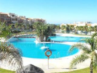 Communal Pool - Luxury 2 bedroomed apartment in Almerimar Spain - Almerimar - rentals