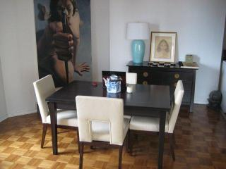 Upper East Side Large 1-Bedroom Great View of Park - New York City vacation rentals