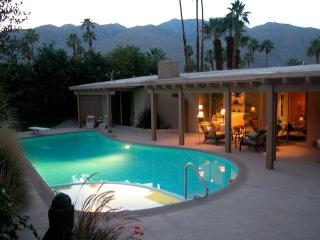 Palm Springs CA Gorgeous Villa,Huge Priv.Pool/Spa, - Palm Springs vacation rentals