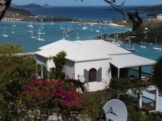Lovely 2 bedroom Villa in East End with Deck - East End vacation rentals
