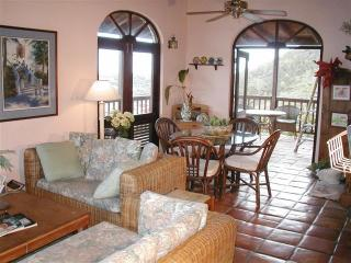 Lovely Villa in East End with Deck, sleeps 4 - East End vacation rentals