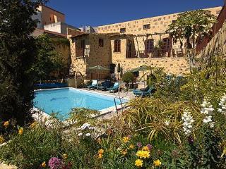 Tenerife Self Catering - La Bodega, Hibiscus cottage, San Miguel de Abona. - San Miguel de Abona vacation rentals