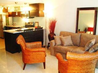 Designer 2 Level Loft, mn from Beach of Sunny Isle - Coconut Grove vacation rentals