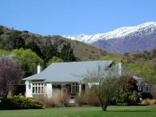 Rural Bed & Breakfast below Coronet Peak - Arrowtown vacation rentals
