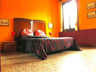 Chromotherapy house, find new energy in colors! - Venice vacation rentals