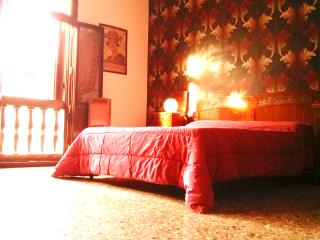 Vintage apartment, the coolest house in Venice! - Venice vacation rentals