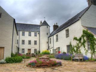 Perfect Castle with Deck and Internet Access - Inverurie vacation rentals
