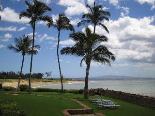 Oceanfront Paradise! Awesome Views! Ground floor! A/C Throughout! - Kihei vacation rentals