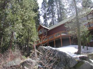 Darlene's Vacation Cabins #21 River Cabin - High Sierra vacation rentals
