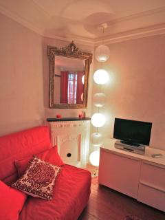 Montmartre Apartment - Paris At Your Doorstep - Paris vacation rentals