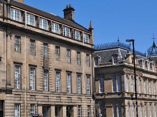 Chamber's Street City Apartment Edinburgh Old Town - Edinburgh vacation rentals