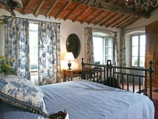 Charming Villa with Fireplace and Central Heating - Ponticino vacation rentals