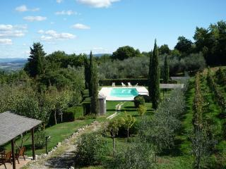 Beautiful 2 bedroom Casole d Elsa Villa with Internet Access - Casole d Elsa vacation rentals