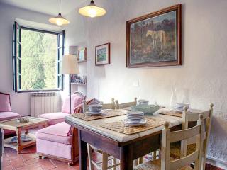 Borgo di Stomennano - Volta B - Monteriggioni vacation rentals