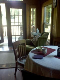 1 bdrm Cozy Mt Hood Cabin Retreat- pool and spa - Welches vacation rentals