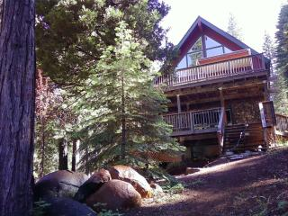 Beautiful 4 bedroom Lake Almanor House with Deck - Lake Almanor vacation rentals