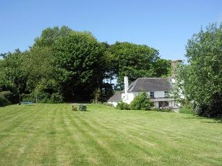 Charming Coastal Cottage Moylgrove, Pembrokeshire - Newport vacation rentals
