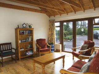 AN GRIANAN, pet friendly, country holiday cottage, with a garden in Clonakilty, County Cork, Ref 4043 - Clonakilty vacation rentals