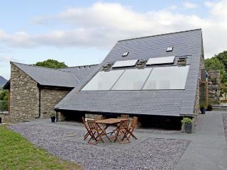 Y STABAL, family friendly, luxury holiday cottage, with a garden in - Trawsfynydd vacation rentals